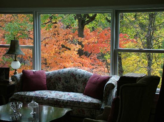 The Hudson River Crest B&B: Living Room