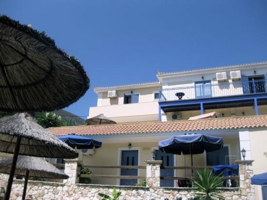 Odyssey Villas : Poolside rooms