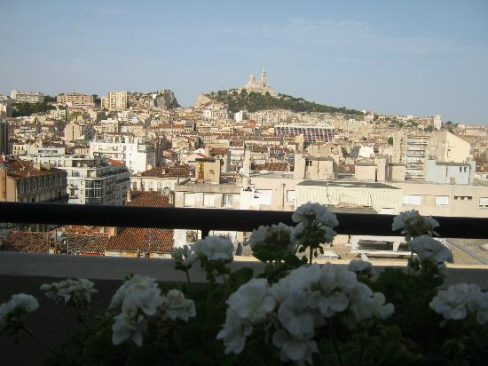 BnB Les Amis de Marseille: View from the terrace