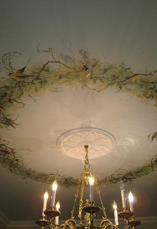 The Hudson River Crest B&B: Dining Room Ceiling