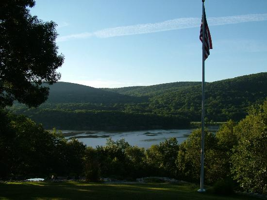 The Hudson River Crest B&B: View from the back porch