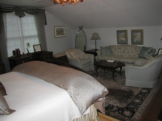 The Hudson River Crest B&B: Tara Room