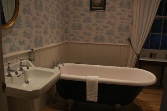 Salen Hotel: Il bagno