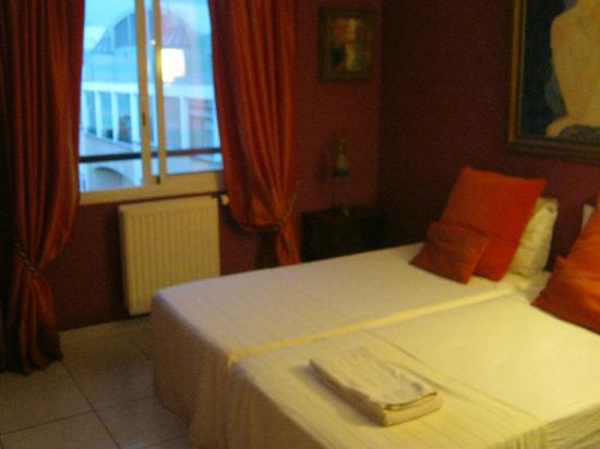 BnB Les Amis de Marseille: Bedroom