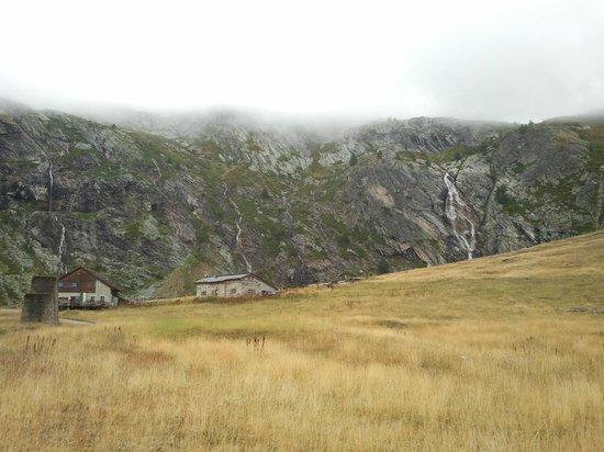 Rifugio Scarfiotti: Il rifugio è quello a sinistra