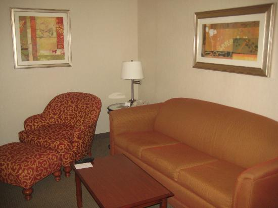 DoubleTree Suites by Hilton Hotel Philadelphia West: Livingroom area