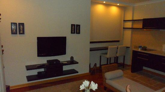 Sandima 37 Suites: More of the living area in the executive suite