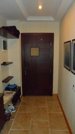 Sandima 37 Hotel Bodrum: Entry way into executive suite--note extra storage
