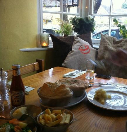 The Crown & Tuns - Puddingface, The Pie Place: Yum!