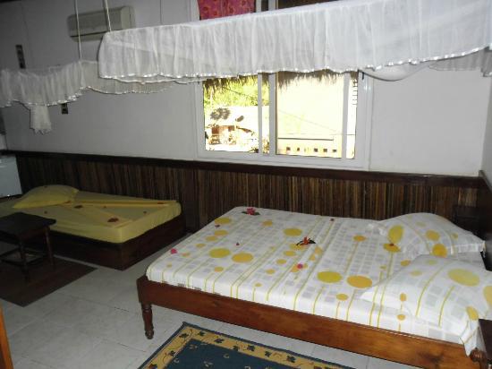 Aviavy Hotel: Chambre triple