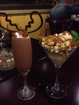 Glen Ellen Inn: Dessert. Choc Moose and Ice Cream with Caramel Corn