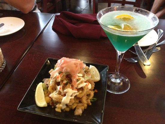 Glen Ellen Inn: Calamari and Beach Blanket Martini