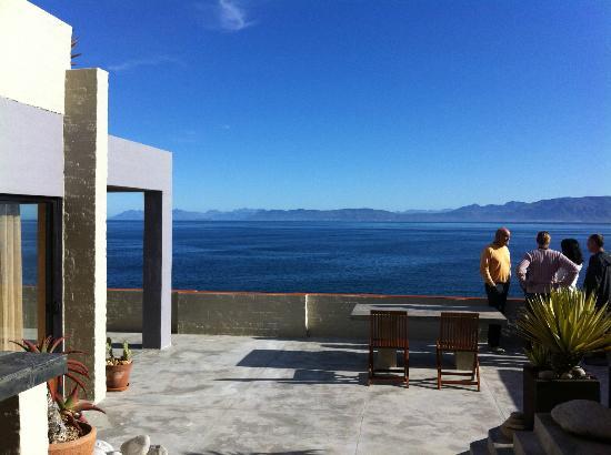 Marebella Seafront Guesthouse: La Vue