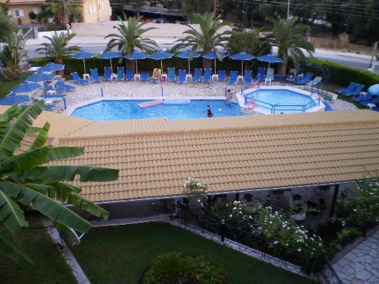 Adam's Hotel: φωτογραφια απο το μπαλκονι μας