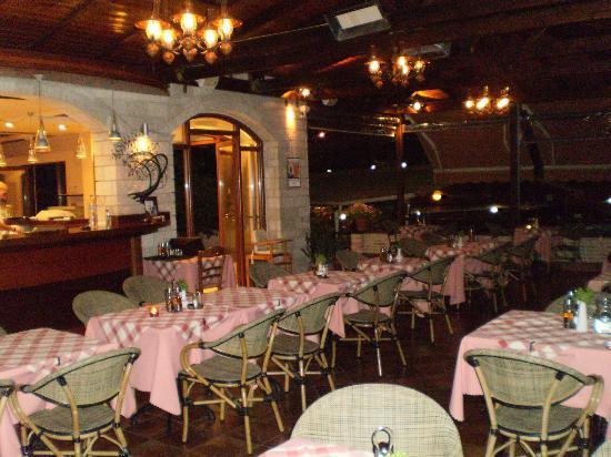 Adam's Hotel: χωρος εστιατοριου