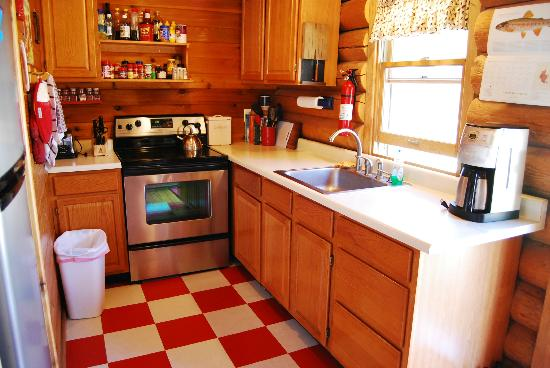 Big Horn Bed and Breakfast: Kitchen of Saphire Cabin, Rock Creek, Mt.