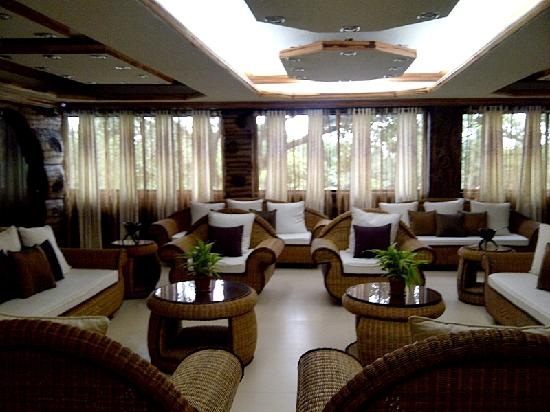Bosay Resort: lobby in the morning