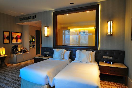 Resorts World Sentosa Equarius Hotel Huge Room