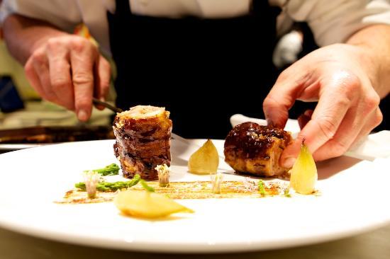 Restaurant Sant Pere del Bosc: Plat principal / Plato principal / Main dish 2012