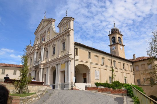 Serralunga di Crea, Italien: facciata del santuario