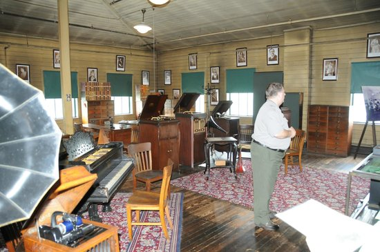 Thomas Edison National Historical Park: guided tour in original sound studio