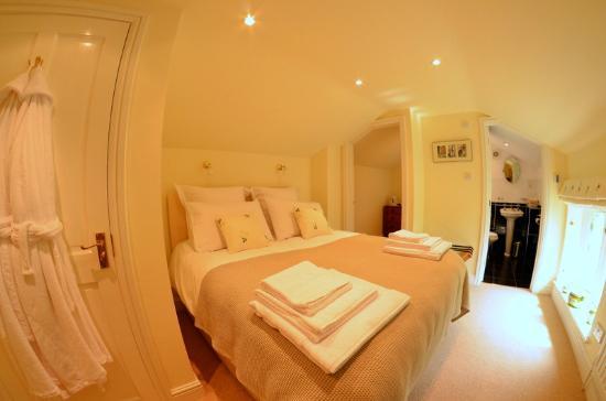 Evesham Lodge Bed & Breakfast: Garden Room 2