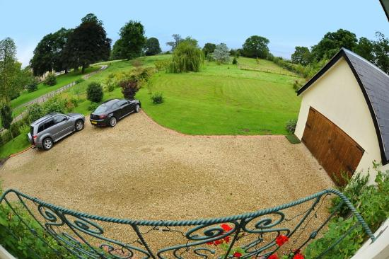 Evesham Lodge Bed & Breakfast: View From Willow