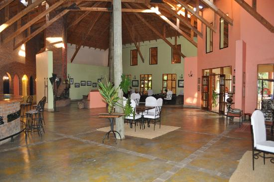 Olasiti Lodge, Tanganyika Wilderness Camps: Olasiti Lodge lobby