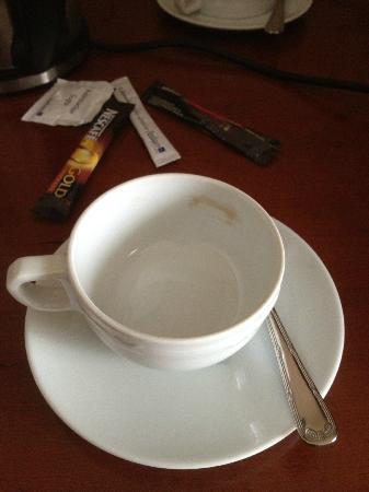 Radisson Blu Palais Hotel, Vienna: Dirty cup