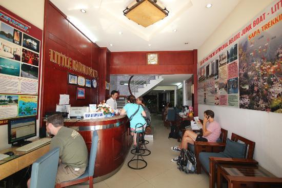 Little Hanoi Hostel : Reception