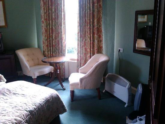 Newton Hotel and Highland Conference Centre: room