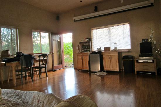 Spyglass Maui Rentals: Inside Yoga Studio room