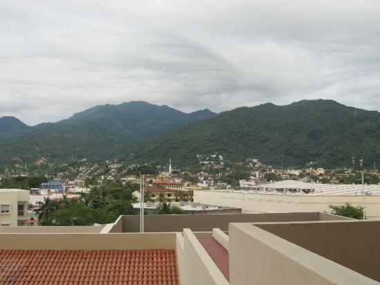 Secrets Vallarta Bay Resort & Spa: Mountains over Puerto Vallarta