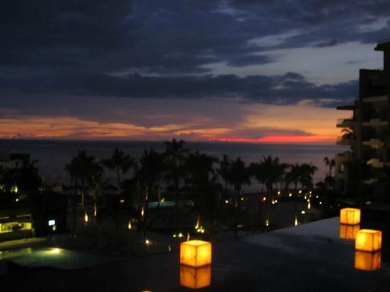 Secrets Vallarta Bay Resort & Spa: beautiful sunset