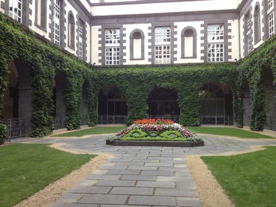 Hotel oceania clermont ferrand france voir les tarifs for Hotel clermont ferrand avec piscine