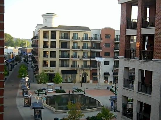 Hilton Promenade at Branson Landing: View of main building from our building have to walk