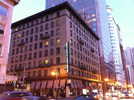Galleria Park Hotel: On the corner of Sutter and Kearney