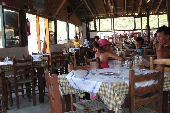 Megalos Aselinos Beach: taverna on the beach - good prices, simple and good food