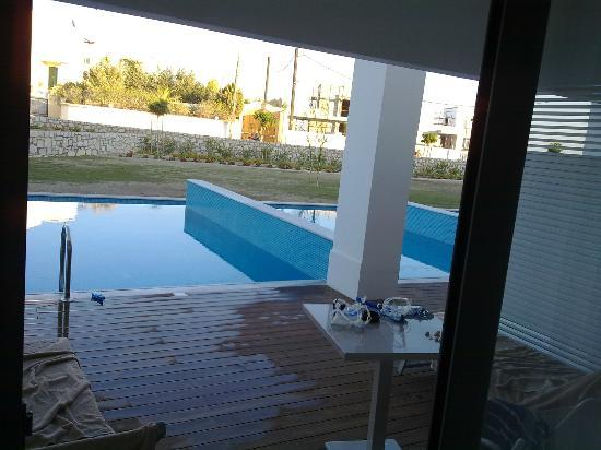 Princess Andriana Resort & Spa : Private pool offers no privacy from neighbors