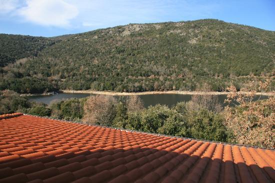 Vista sul lago dall'Hotel Taloro