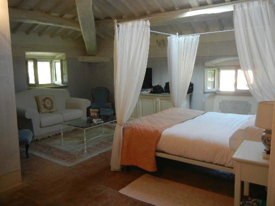 Villa di Piazzano: Our Room