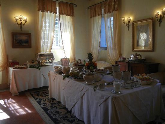 Villa di Piazzano: Buffet Breakfast