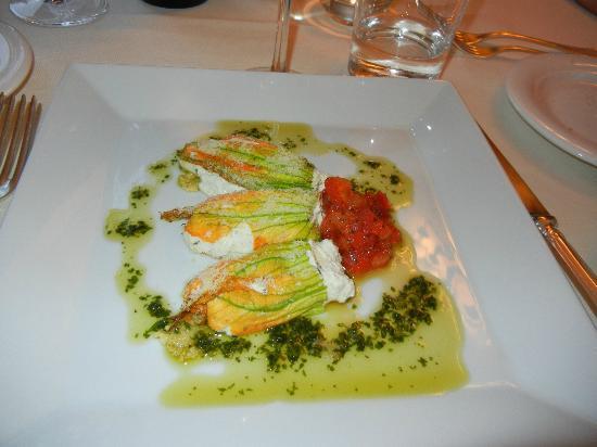 Villa di Piazzano: Stuffed Squash Blossoms