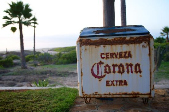 Villa Santa Cruz: Antique beer coolers