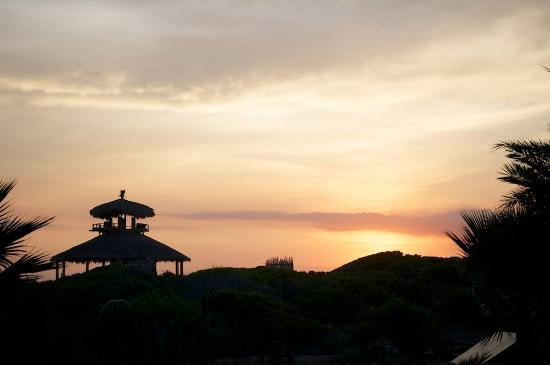 Villa Santa Cruz: Sunset at the beach