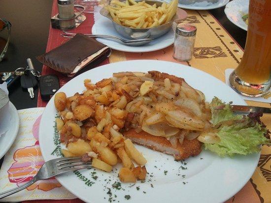 Werne, Jerman: Das frittierte Schnitzel...
