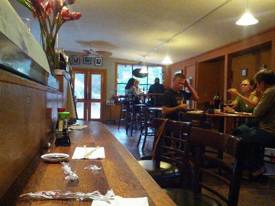 makawao sushi & deli : Makawao Sushi Restaurant Inside