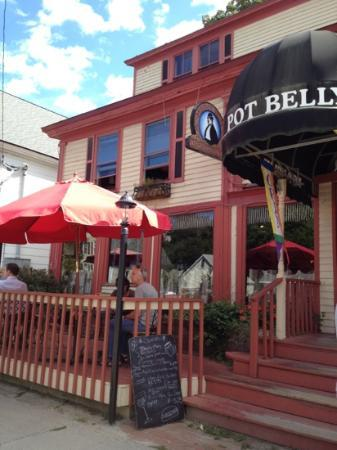 perfect day to sit outside and eat a burger at the Pot Belly