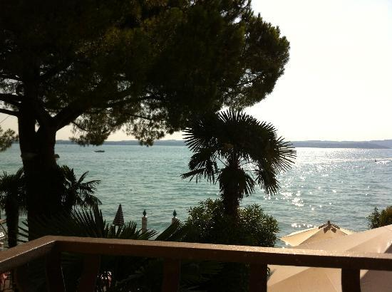 Hotel Marconi: View from bedrooms facing the lake