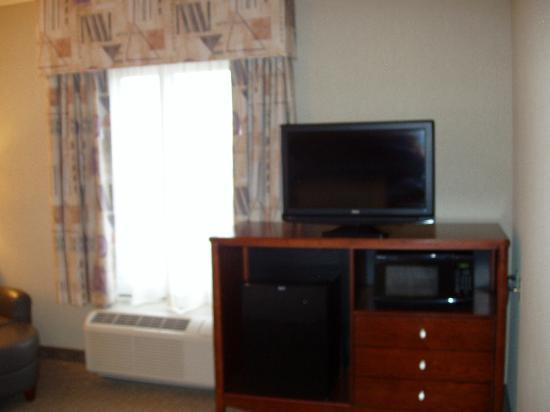 Hampton Inn Lewisburg : TV, Microwave & Frig